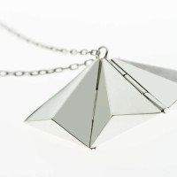 Tri-hinge necklace single