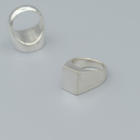 Signet ring rectangle